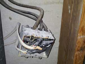Incorrect-junction-box,-incorrect-wire-entrance,-incorrect-splices,-and-no-cover